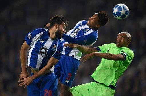 Schalke und Dortmund ziehen glanzlos ins Achtelfinale ein