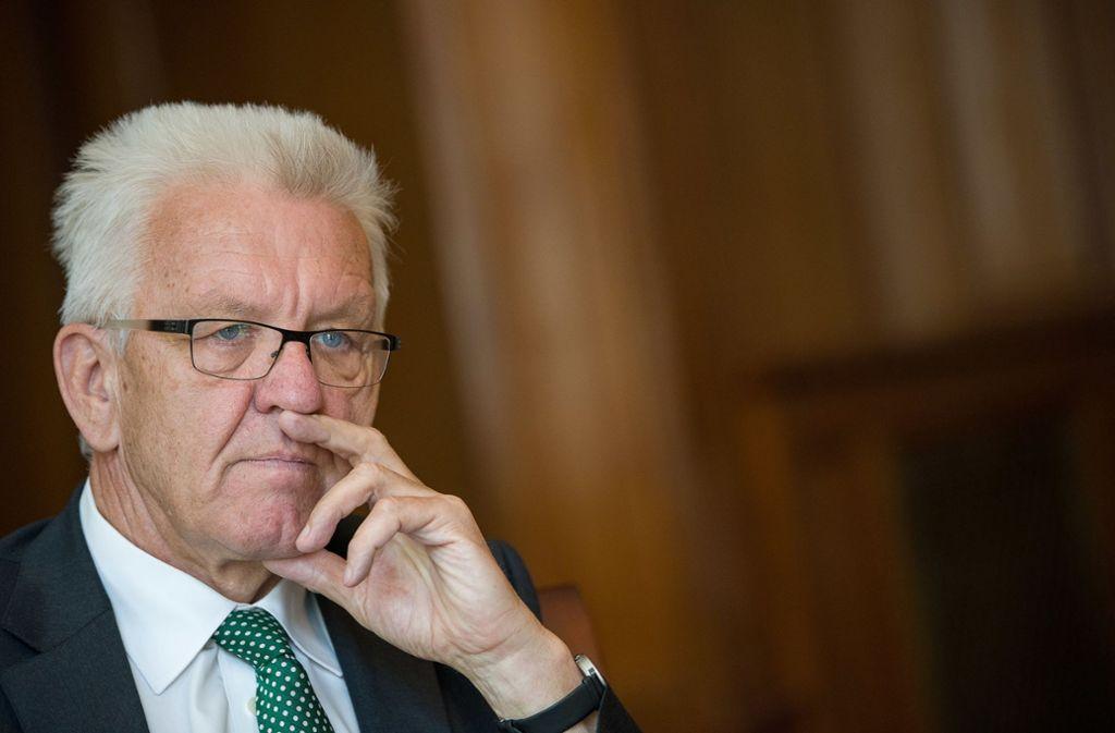 Der Ministerpräsident kritisierte scharf die Vorgänge um die Eröffnung der Ditib-Zentralmoschee am Wochenende in Köln. Foto: dpa