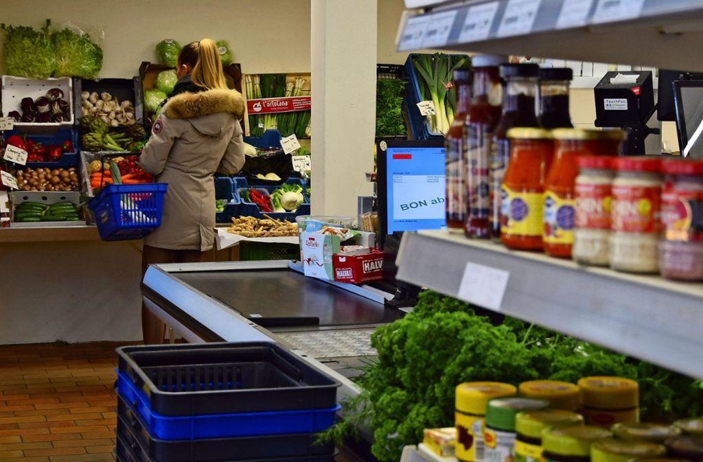 Viele ungenutzte Einkaufskörbe und wenige Kunden, das ist im Lädle an der Laustraße ein häufiges Bild. Foto: Alexandra Kratz