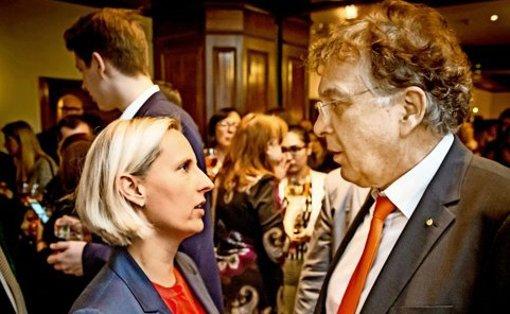 Geschlagene unter sich: CDU-Bewerberin Stefanie Schorn und Parteifreund Reinhard Löffler analysieren ihr schlechtes Abschneiden. Foto: Lichtgut