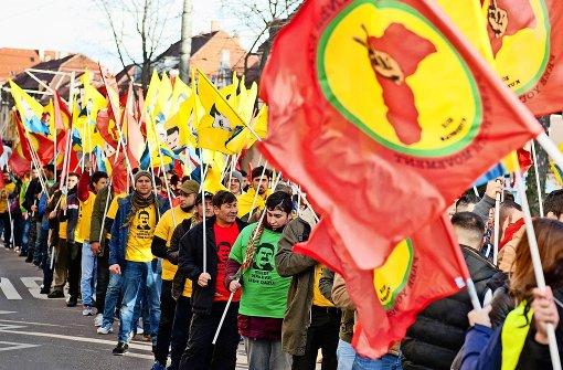 Polizei warnt vor Eskalation zwischen Türken und Kurden