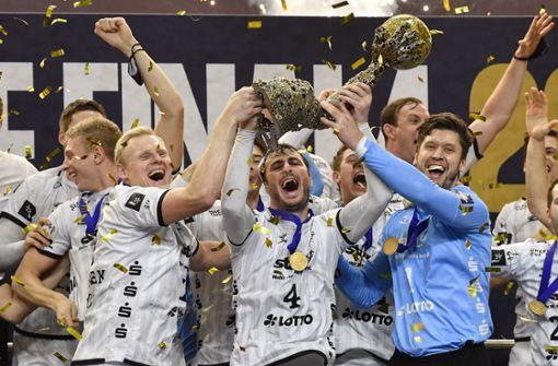 Handballer des THW Kiel setzen sich die Krone auf