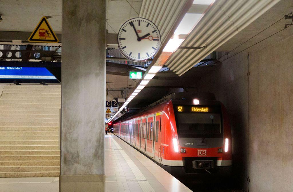 Die S2 fährt frühestens 2022 nicht nur bis Filderstadt, sondern weiter nach Neuhausen. Eine Verlängerung ins Neckartal ist aber ungewiss. Deshalb plant die Region eine andere Lösung, bis es soweit ist. Foto: Horst Rudel