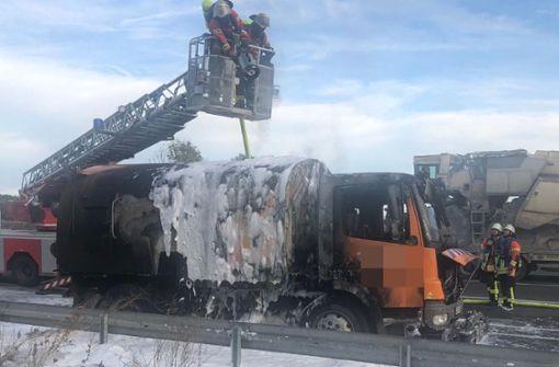 Kehrmaschine brennt – Stau im Feierabendverkehr