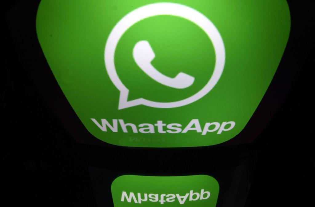 Das massenhafte Weiterleiten von Nachrichten über Whatsapp sorgt häufig für Verdruss. Foto: AFP