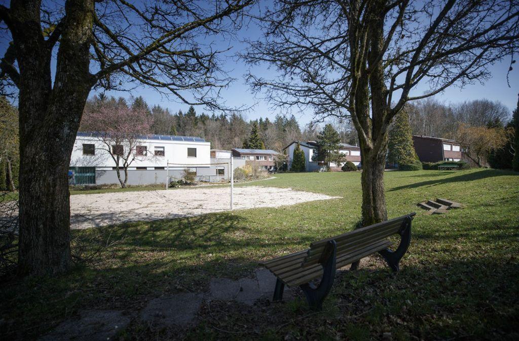 Auf diesem Gelände in Sechselberg sollen 30 bis 60 infizierte Geflüchtete untergebracht werden. Foto: Gottfried Stoppel