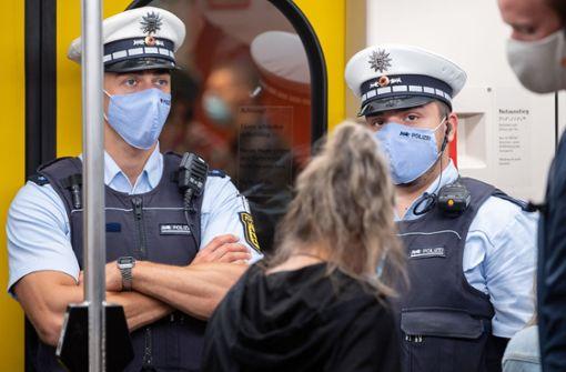 Lauterbach fordert bundesweite Maskenpflicht auf öffentlichen Plätzen
