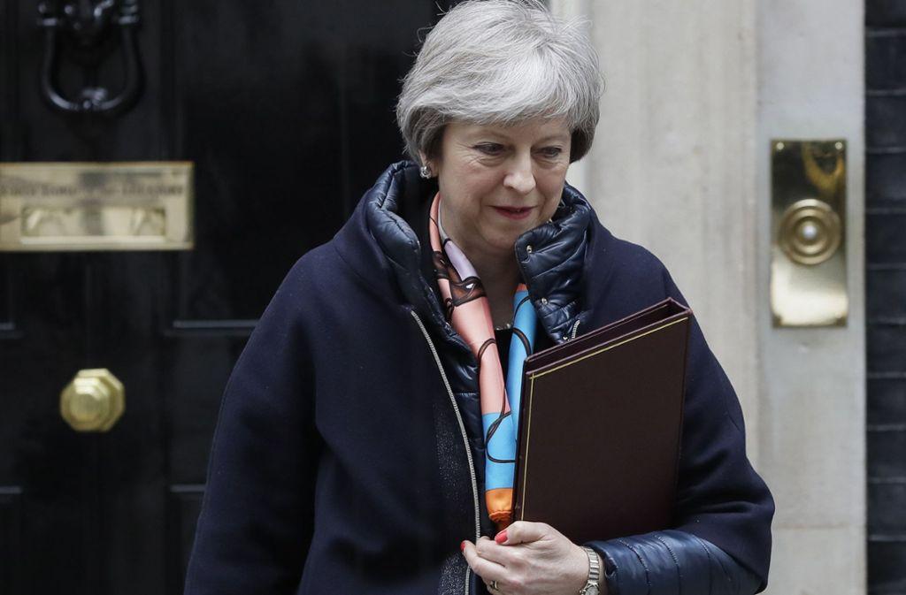 Premierministerin Theresa May und ihr Nationaler Sicherheitsrat berieten am Mittwoch über mögliche Sanktionen gegen Russland nach dem Giftanschlag auf einen Ex-Agenten. Foto: AP