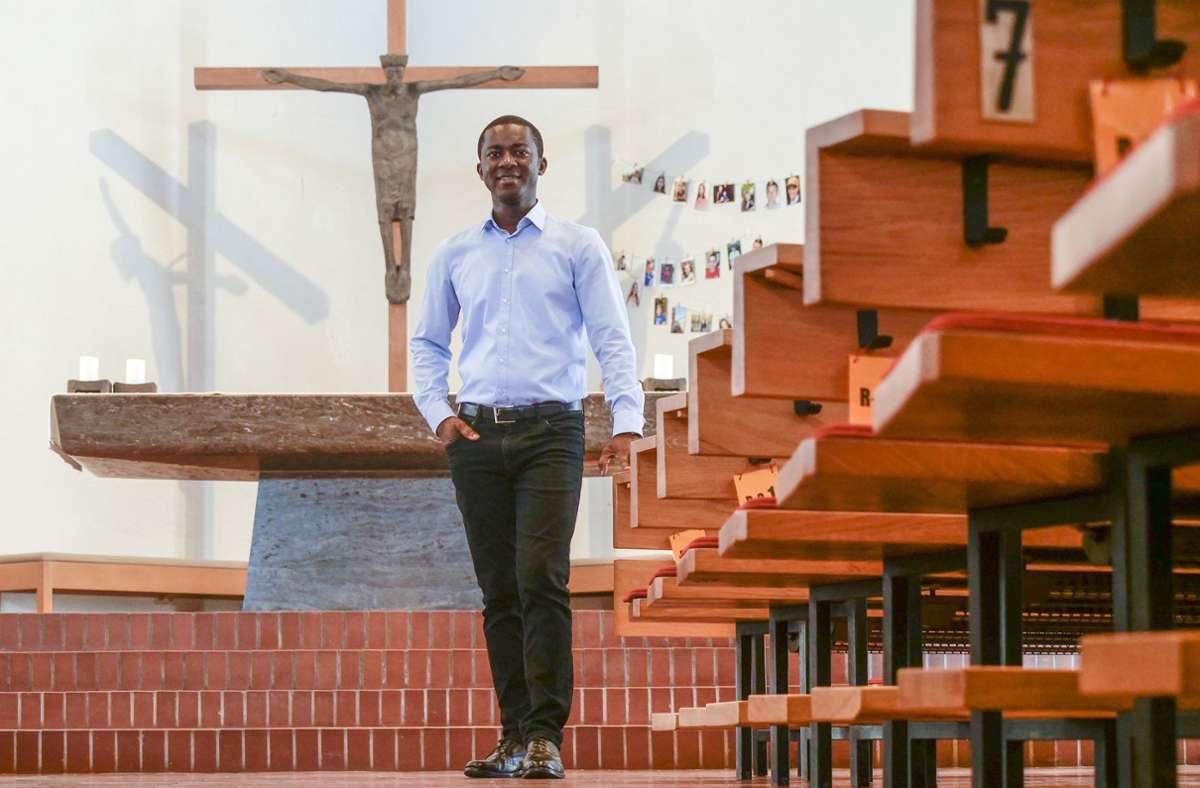 Augustine Asante ist Priester mit Leib und Seele. Die katholische Kirche St. Petrus und Paulus in Schwieberdingen war eine seiner fünf Wirkungsstätten. Foto: factum/Simon Granville