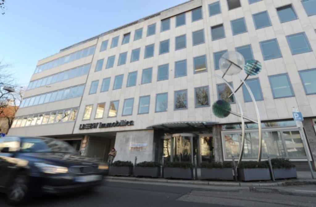 Die Bietergemeinschaft rund um die Stadt Stuttgart hat Anfang 2012  im Milliardenpoker um die etwa 21.500 Wohnungen der LBBW verloren. Den Zuschlag in Deutschlands größtem Immobiliendeal erhielt damals das Augsburger Unternehmen Patrizia. Foto: dpa