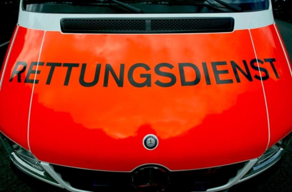 Mehrfach ist eine Frau am Montagabend mit ihrem Opel gegen die Wände des Leutenbachtunnels geprallt. (Symbolbild) Foto: dpa