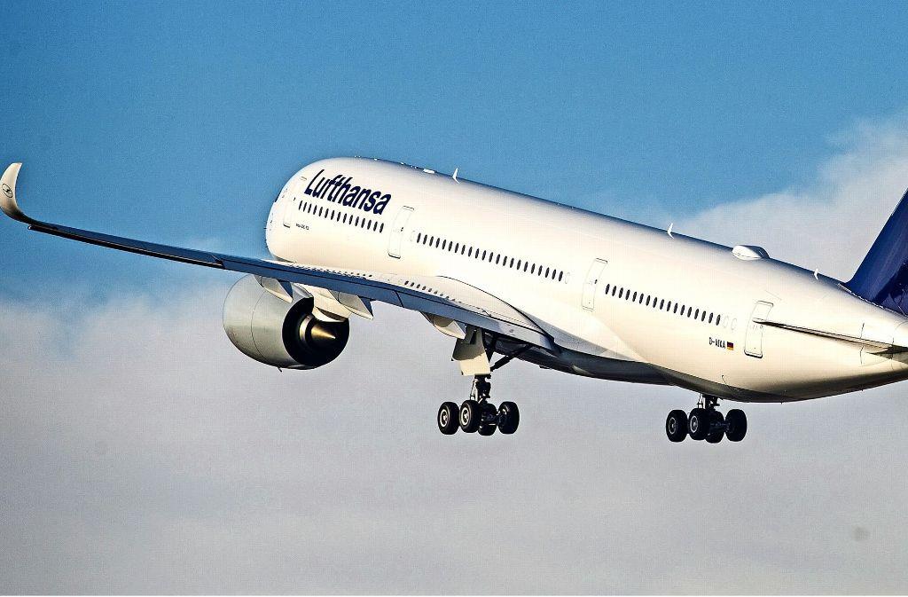 Landet ein Flugzeug mit mehr als drei Stunden Verspätung, kann Schadenersatz fällig werden. Foto: dpa