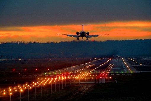 "Minister will den ""ersten grünen Flughafen"""