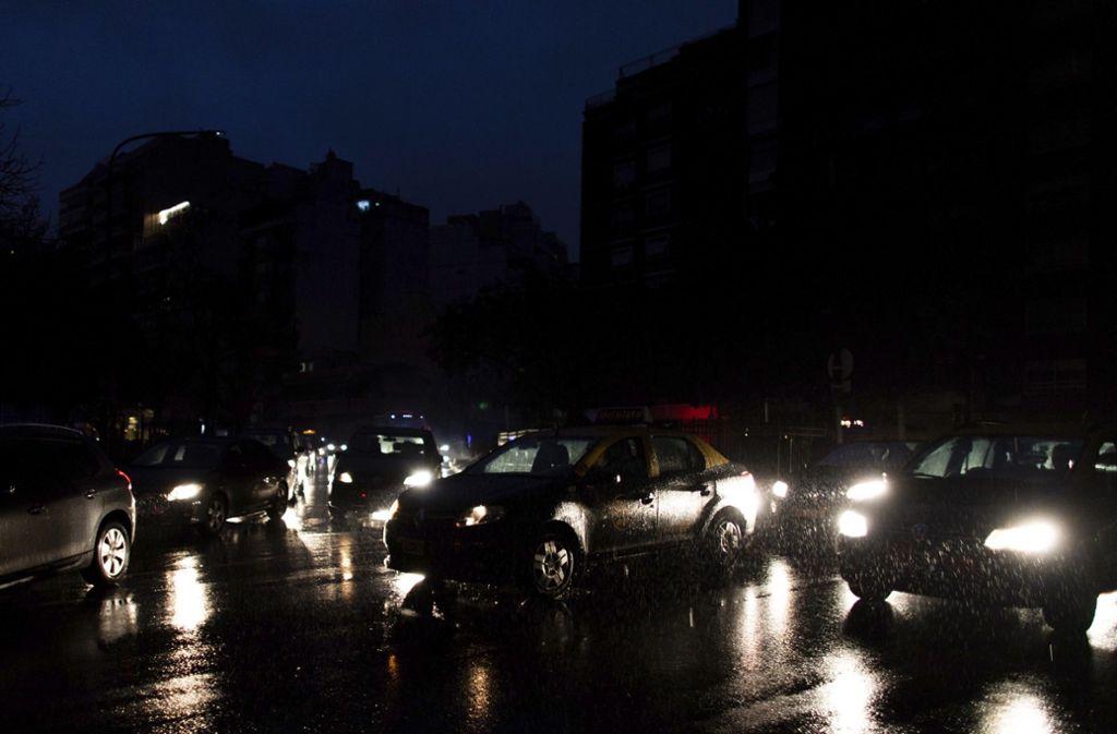 Das argentinische Stromnetz war um am Sonntagmorgen zusammengebrochen.  Auch im Nachbarland Uruguay fiel das Stromnetz komplett aus. Foto: dpa