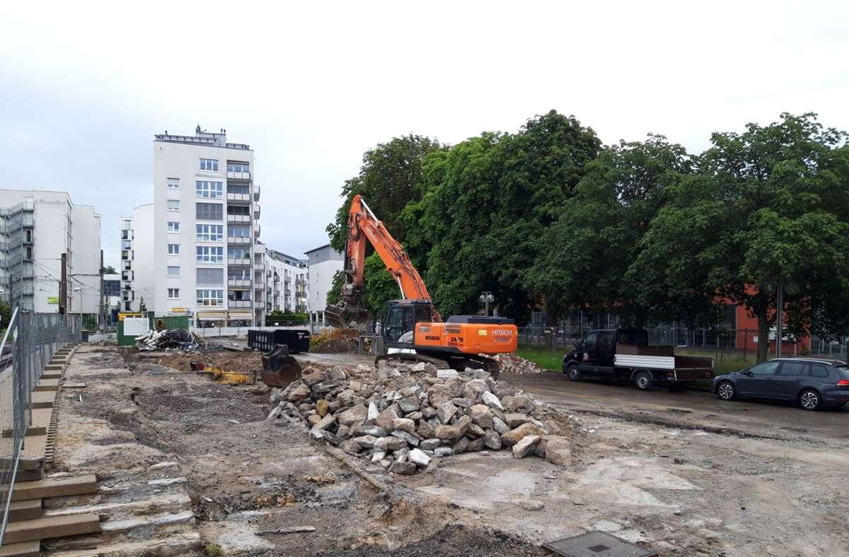 Der Filderbahnplatz wird umgestaltet: Er soll nach den Bauarbeiten zum Verweilen einladen. Foto: Philipp Maisel