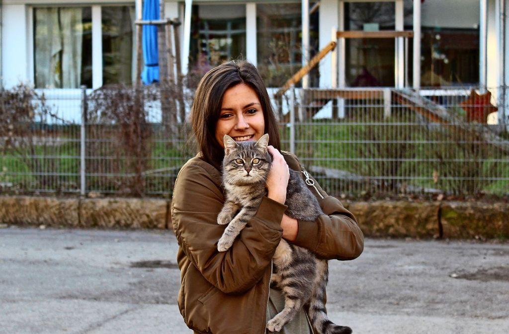 Catharina Schöllkopf macht sich Sorgen um ihre Katze Kitty. Foto: Jacqueline Fritsch