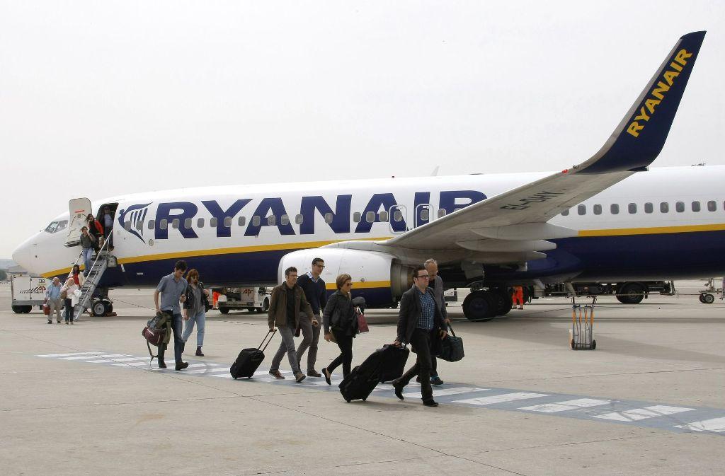 25 ihrer 400 Flugzeuge will Ryanair über fünf Monate am Boden lassen. Foto: AP