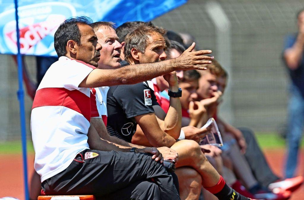 VfB-Trainer Jos Luhukay war mit den Auftritten seiner Mannschaft nur teilweise zufrieden Foto: Baumann