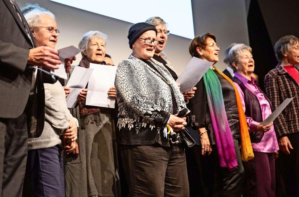 Der letzte Auftritt des Chörle hatte einen freudigen Anlass: die Verleihung des Bürgerpreises. Foto: Lichtgut/Julian Rettig