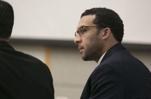 Ehemaliger NFL-Spieler der Vergewaltigung schuldig gesprochen