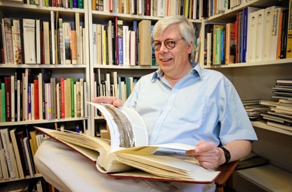 Titus Häussermann ist doppelt so alt wie sein Verlag: 60 Jahre. Foto: Kai Fischer