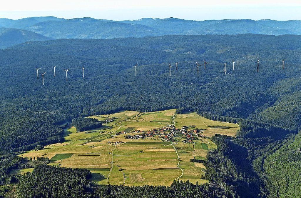 Simmersfeld im Nordschwarzwald hat sie schon: 14 Windräder stehen hier. Ob auch nach Weil der Stadt welche kommen sollen, darüber streitet sich die Stadt mit Heimsheim. Foto: Grohe