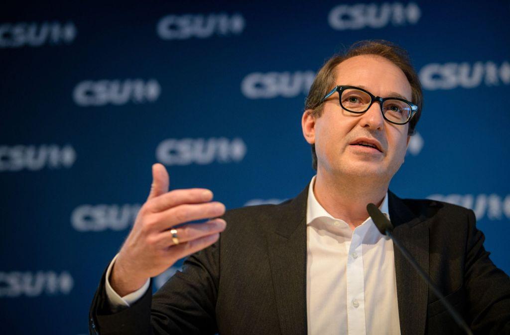 Von Grünen und Linken hagelt es für Dobrindts Aussagen Kritik, CDU-Politiker Thomas Strobl und Parteikollege Horst Seehofer unterstützen ihn dagegen. Foto: dpa