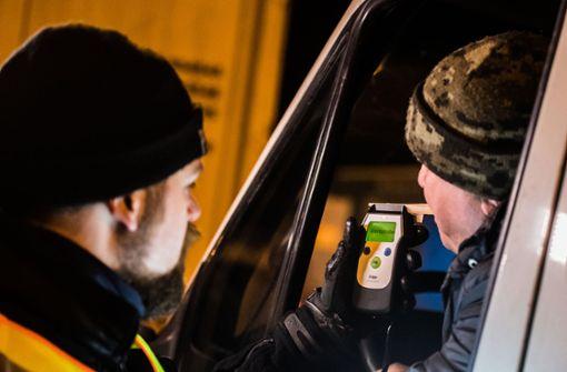 Autofahrer  unter Drogeneinfluss zeigt gefälschten Führerschein