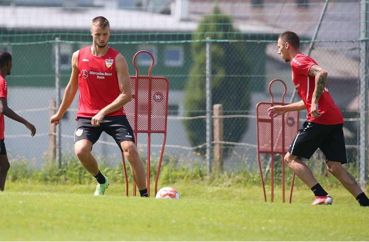 Sasa Kalajdzic (l.) und  Darko Churlinov in Aktion. Foto: Pressefoto Baumann/Alexander Keppler