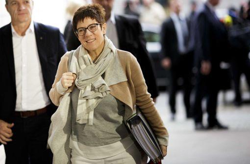 Kramp-Karrenbauer fordert Frauenquote in der katholischen Kirche