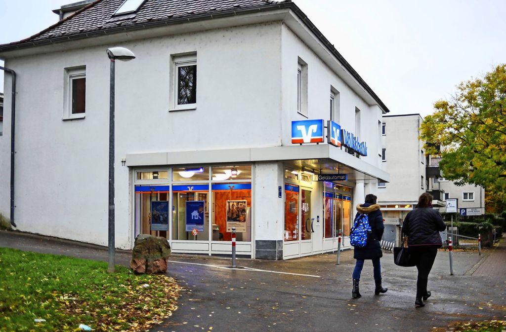 In  der Filiale Obere Ziegelei der Volksbank Stuttgart in Bad Cannstatt werden die Kunden im kommenden Februar nur noch Automaten zur  Selbstbedienung vorfinden. Foto: Lichtgut/Max Kovalenko