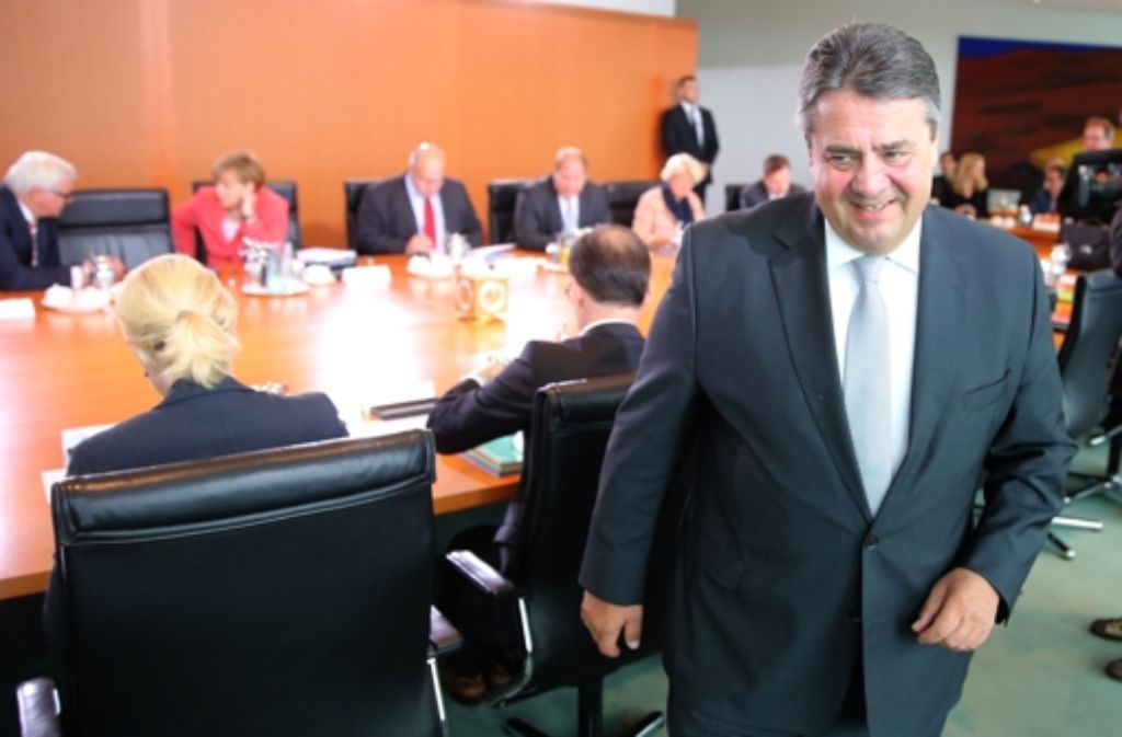 Wirtschaftsminister Sigmar Gabriel (SPD) muss beim Klimabeitrag für Kohlekraftwerke zurückrudern. Foto: dpa