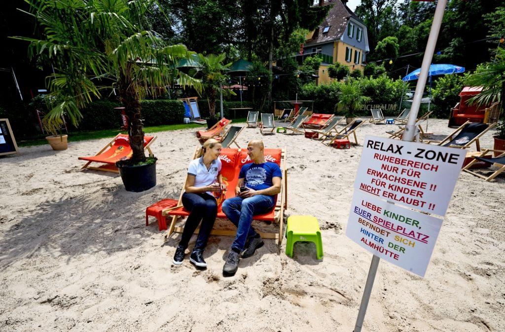 Silke und Orhan Özbagci in der umstrittenen Relax-Zone. Foto: factum/Weise