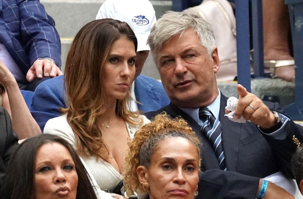 Alec Baldwin und seine Frau Hilaria haben sich die Partie zwischen Rafael Nadal und Juan Martin angeschaut. Foto: AFP