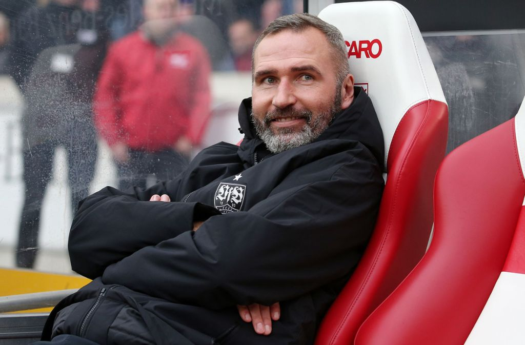 VfB-Trainer Tim Walter geht optimistisch ins Spiel beim SV Sandhausen. Foto: Baumann