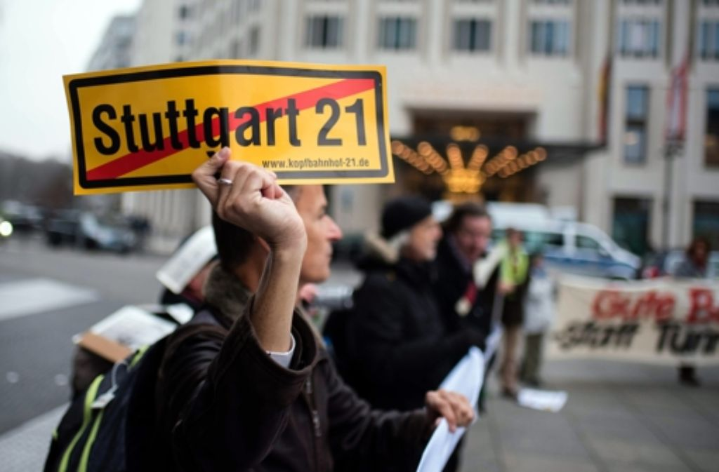 Stuttgart-21-Gegner haben am Mittwoch in Berlin demonstriert. Foto: dpa