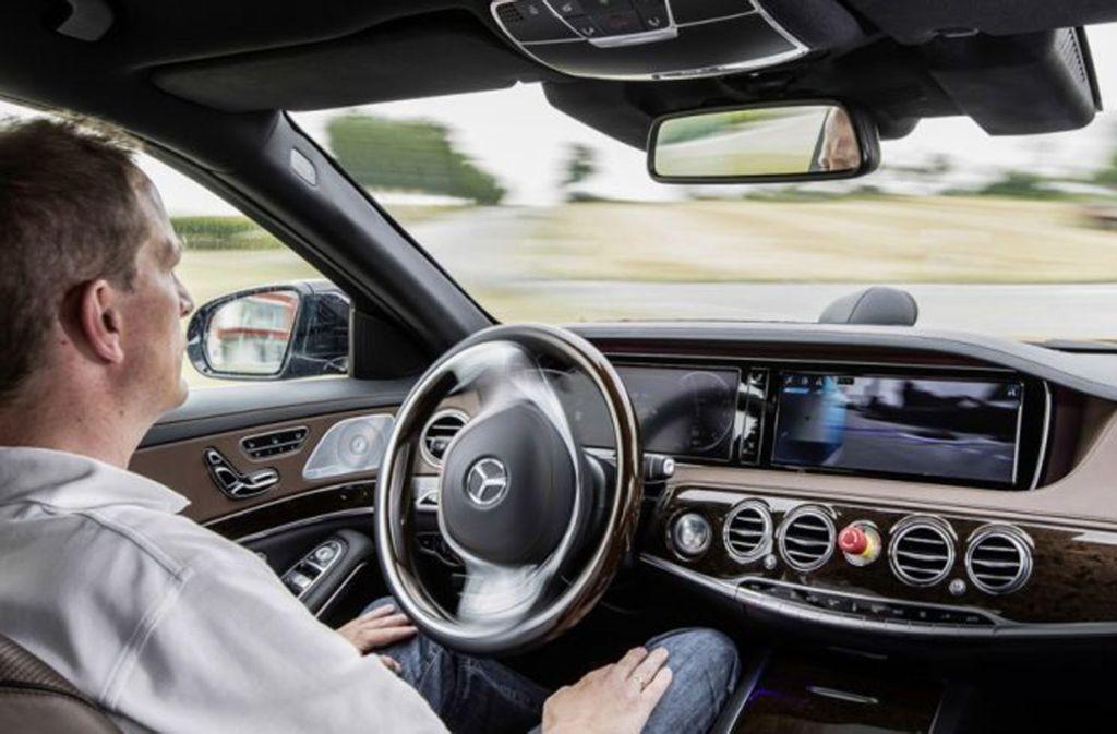 Im Ballungsraum Stuttgart wird unter Hochdruck an der Mobilität der Zukunft geforscht und gearbeitet. Foto: Daimler