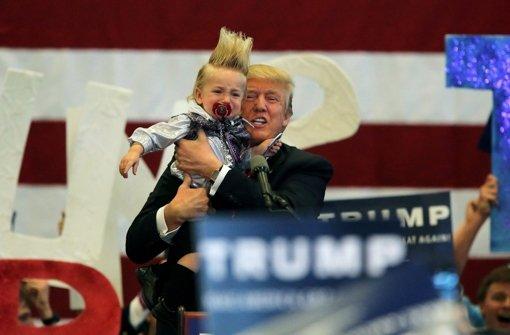 Donald Trump legt eine Kehrtwende hin, nachdem er harsche Kritik an seiner Haltung zu Folter hat einstecken müssen. Foto: dpa