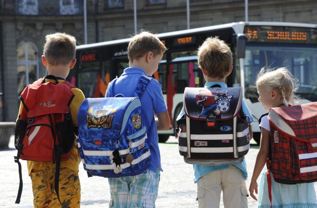 Einige Schüler aus Remseck haben nach den Herbstferien vergeblich auf den Bus gewartet. Nun soll der Bus wieder ihre Wohnorte anfahren. (Symbolbild) Foto: dpa