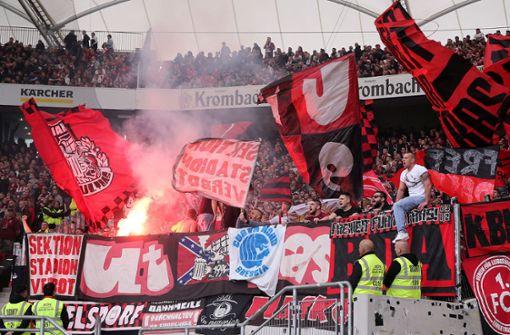 Nürnberg muss wegen Bengalos   39.000 Euro Geldstrafe zahlen