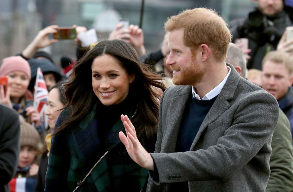 """Die Liebe hat ihn via """"Blind Date"""" gefunden: Prinz Harry und seine Verlobte, die Schauspielerin Meghan Markle.Foto:dpa Foto:"""