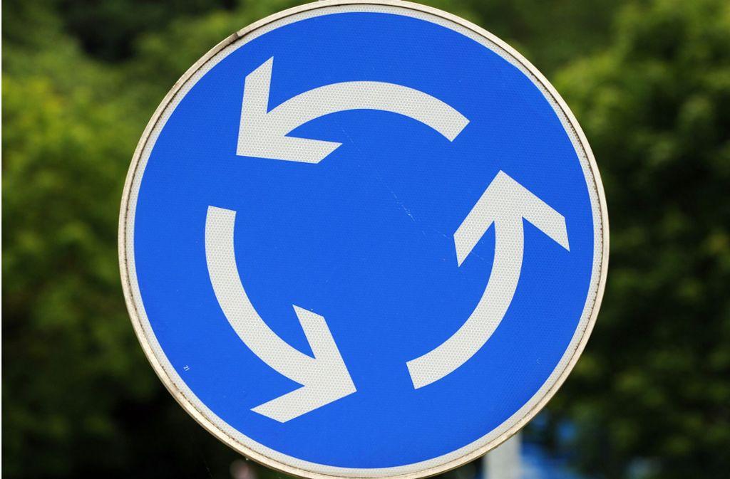 Aus einer Ampelkreuzung ist in viereinhalb Monaten ein Kreisverkehr geworden. Foto: dpa