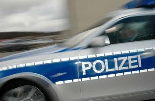 24.11.: Betrunkene fährt gegen Streifenwagen