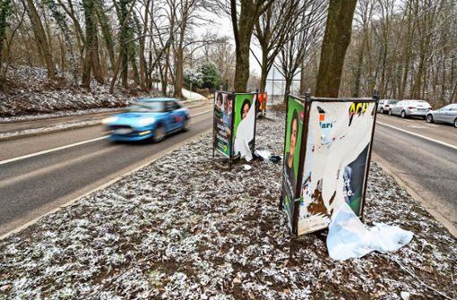 Kandidaten beschweren sich über zerstörte Plakate