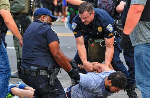 Festnahmen nach Gewalt bei neuen Protesten