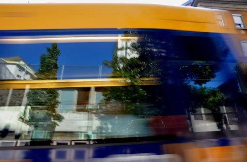In Stuttgart-Ost hat am Freitagmorgen eine Stadtbahn einen Rollstuhlfahrer touchiert (Symbolbild). Foto: Leserfotograf andy1955