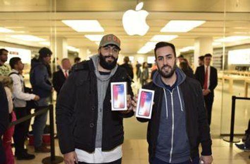 Großer Andrang bei Verkaufsstart des iPhone X