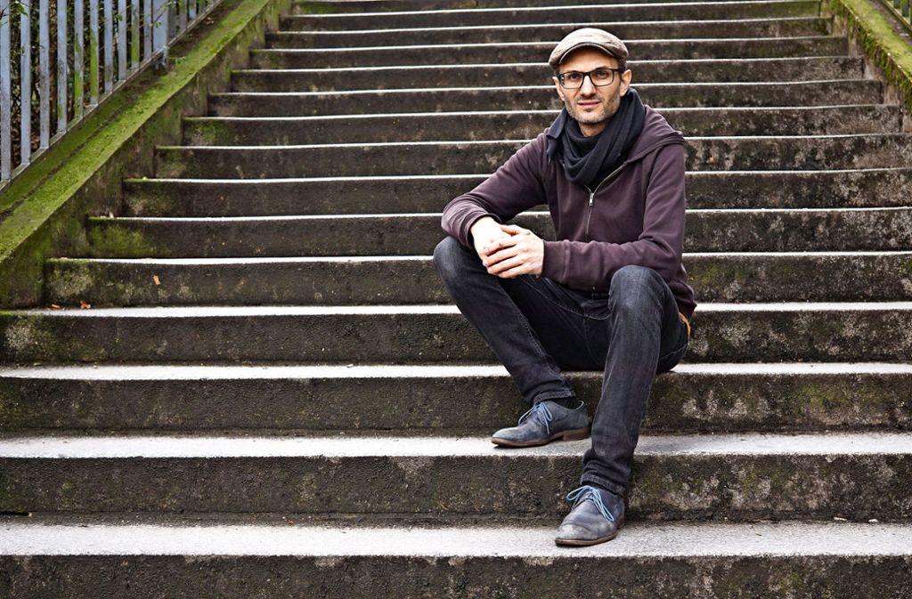 Daniel Kartmann möchte musikalische Grenzen aufbrechen: Mit dem Kartmann-Kollektiv blickt er im Theaterhaus auf 20 Jahre Bühnenkarriere zurück. Foto: Marta Popowska