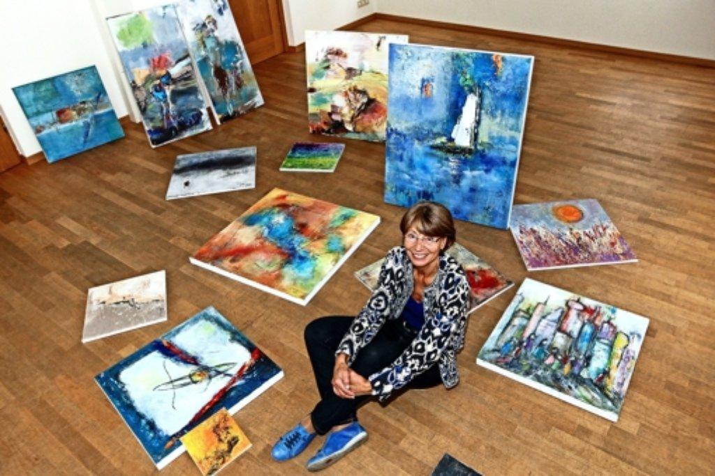 Jetzt hängen die Bilder von Gisela Rosenberger an den Wänden. Foto: factum/Bach