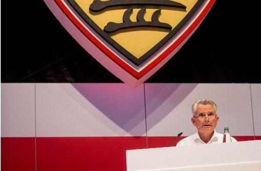 VfB-Chef Wolfgang Dietrich: Alles hört auf sein Kommando Foto: dpa